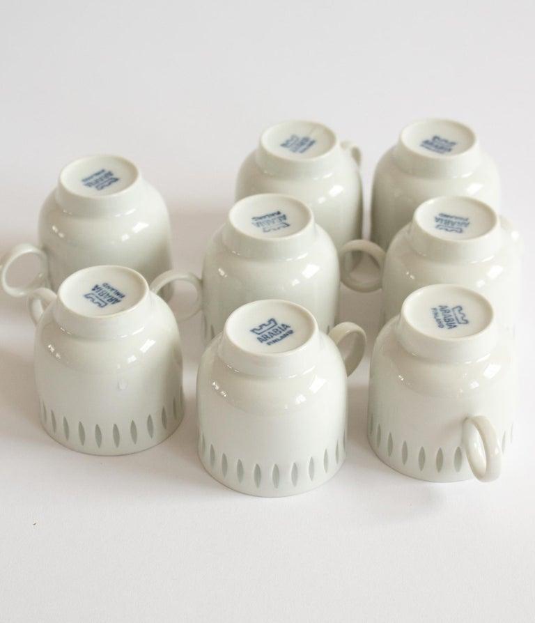 Eight Scandinavian Modern Mocha Cups by Friedl Holzer-Kjellberg for Arabia In Good Condition For Sale In Stockholm, SE