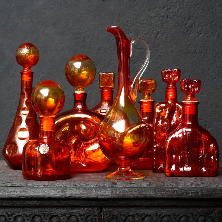 Mid-Century Modern Eight Tangerine Amberina 60s Italian Empoli Rossini Glass Decanters Blenko Style For Sale