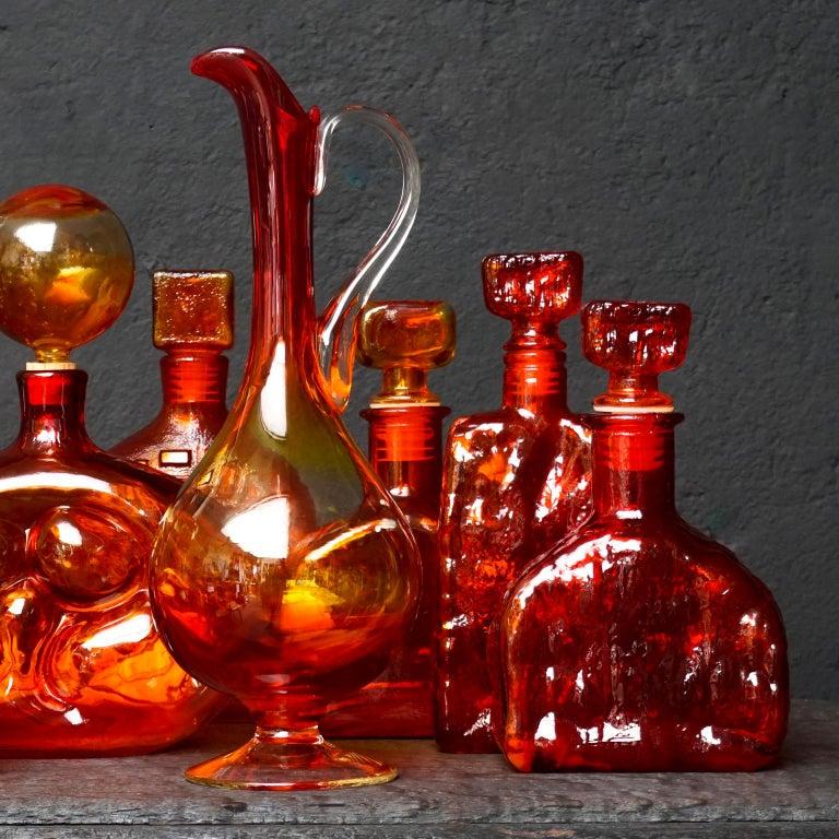 Eight Tangerine Amberina 60s Italian Empoli Rossini Glass Decanters Blenko Style In Good Condition For Sale In Haarlem, NL