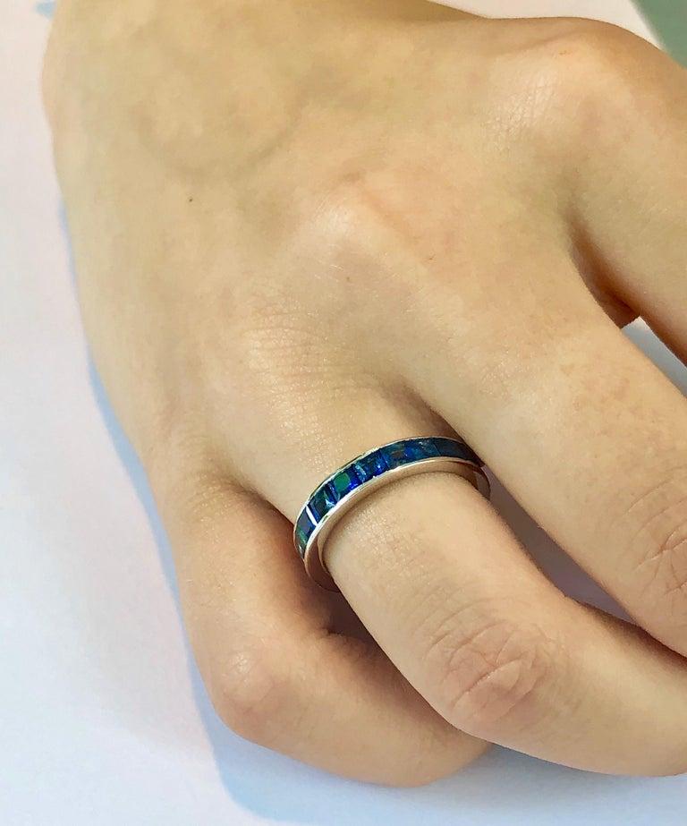 18 Karat Gold Princess Sapphire Eternity Band Ring Weighing 4.60 Carat For Sale 1