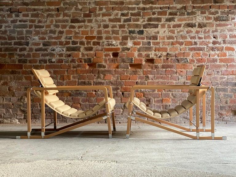 Eileen Gray Transat Chairs in Cream Leather & Beech by Ecart International 3