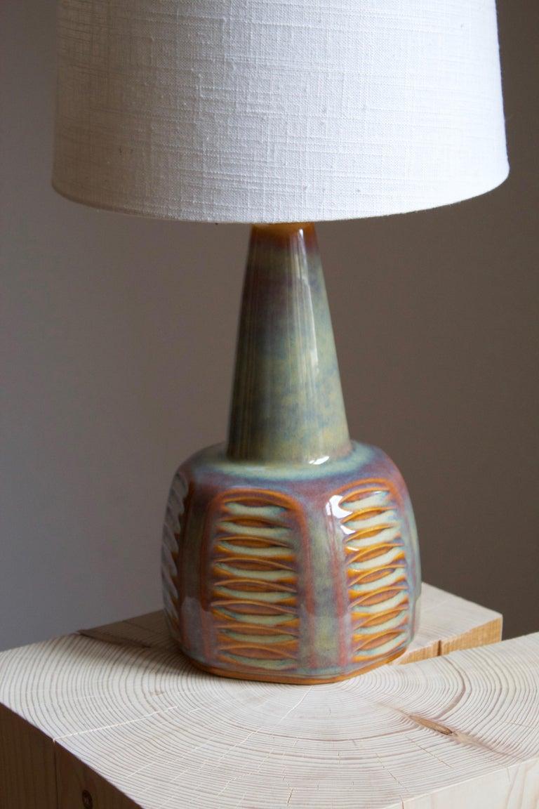 Mid-Century Modern Einar Johansen, Table Lamp, Glazed Incised Stoneware, Søholm, Denmark, 1960s For Sale
