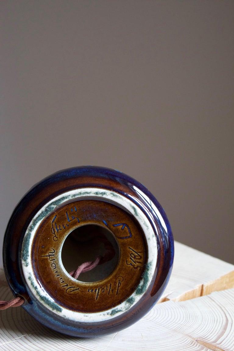 Einar Johansen, Table Lamp, Glazed Incised Stoneware, Søholm, Denmark, 1960s In Good Condition For Sale In West Palm Beach, FL