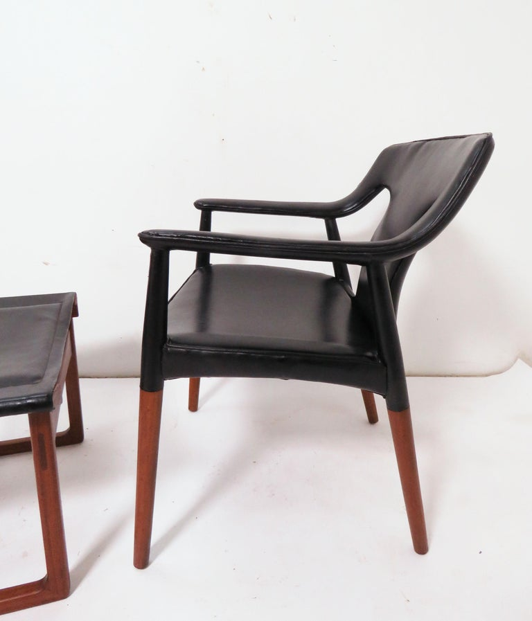 Ejner Larsen and A. Bender Madsen Danish Teak Lounge Chair and Ottoman Set In Good Condition For Sale In Peabody, MA