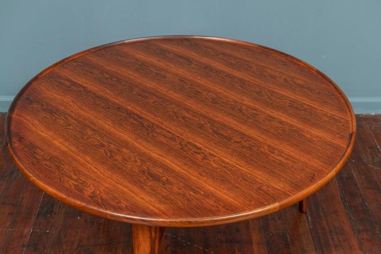 Scandinavian Modern Ejner Larsen and Askel Bender Madsen Coffee Table for Willy Beck For Sale