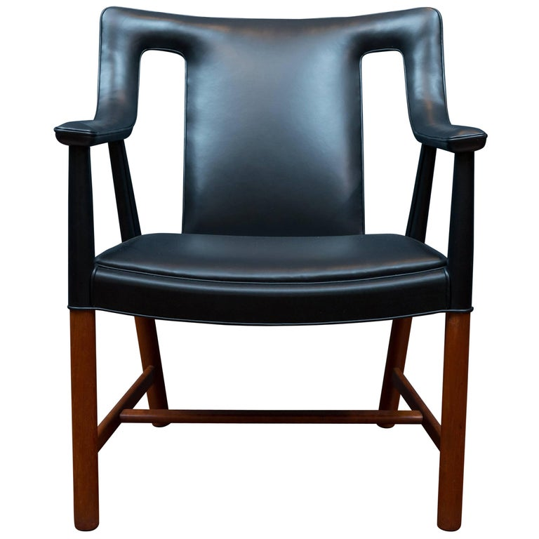Ejner Larsen and Askel Bender Madsen Lounge Chair LP48 For Sale