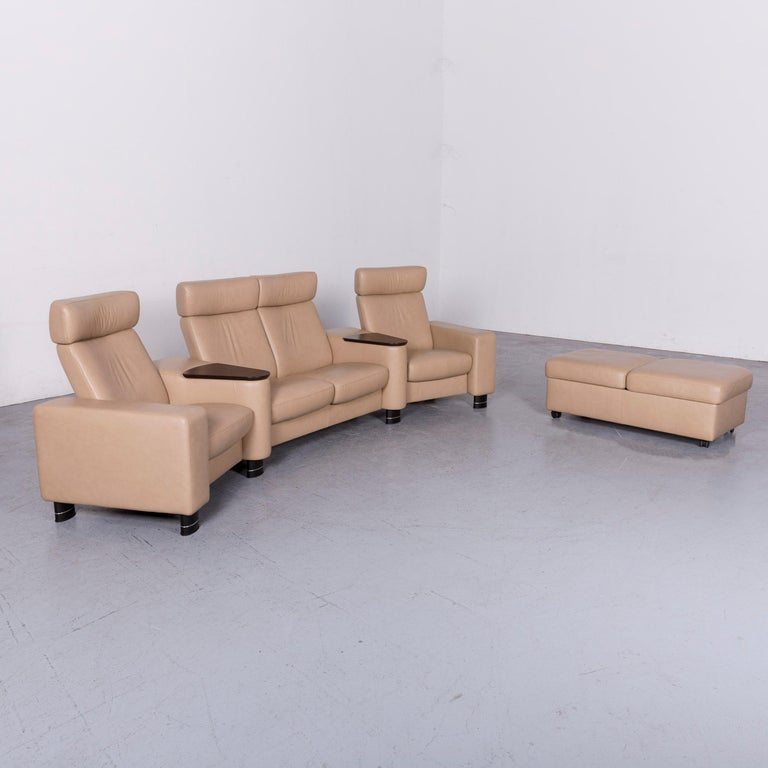 We bring to you an ekornes stressless designer leather sofa beige four-seat recliner couch.
