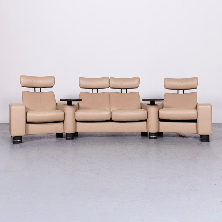 Contemporary Ekornes Stressless Designer Leather Sofa Beige Four-Seat Recliner Couch