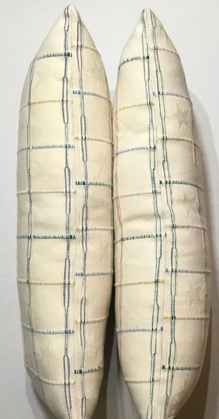 Elegant Pair of Decorative Pillows For Sale 5