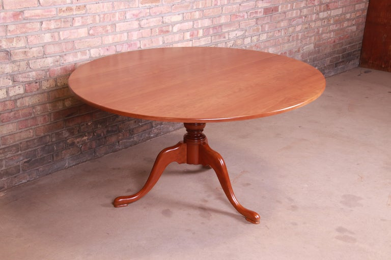 20th Century Eldred Wheeler Queen Anne Cherry Wood Tilt Top Pedestal Dining Table, Refinished For Sale