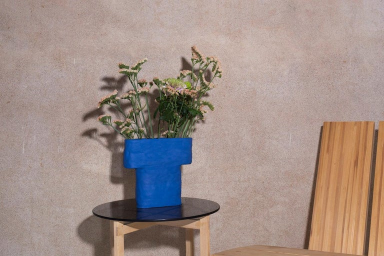 Electric Blue Porcelain Pillar Vase In New Condition For Sale In Helsinki, FI