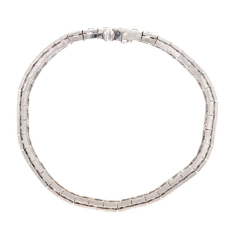 Elegant 14 Karat White Gold Diamond Block Bracelet In Excellent Condition For Sale In New York, NY