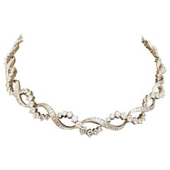 Elegant 18 Karat White Gold Diamond Necklace