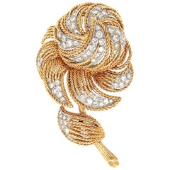 Elegant 18 Karat Yellow Gold Diamond Flower Brooch