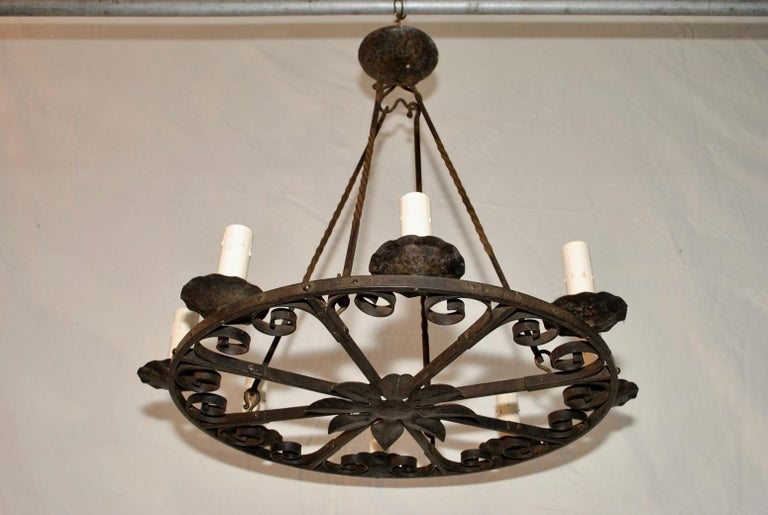 Elegant 1920s French Hands Made Wrought Iron Chandelier In Good Condition For Sale In Los Angeles, CA