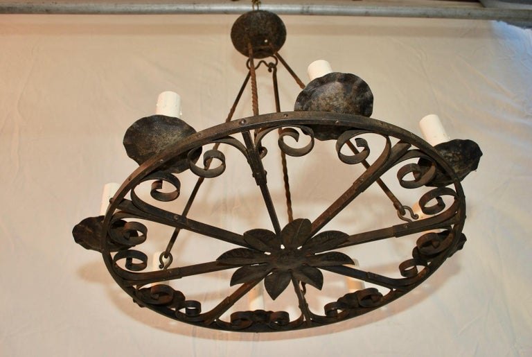 Early 20th Century Elegant 1920s French Hands Made Wrought Iron Chandelier For Sale
