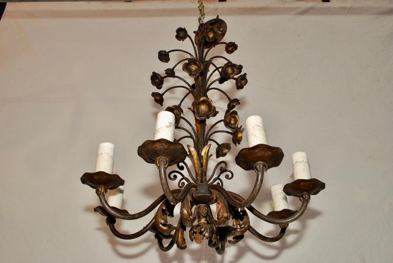 American Elegant 1920s Wrought Iron Chandelier For Sale