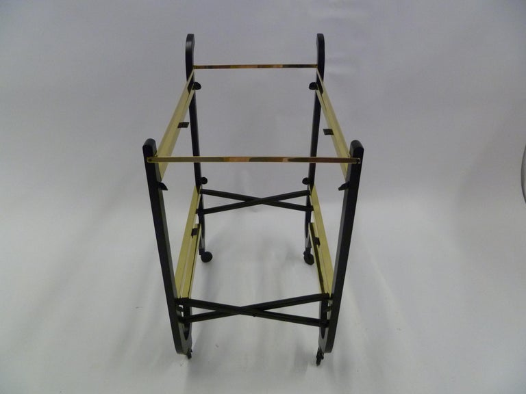 Elegant 1940s Streamline Moderne Bar Tea Cart For Sale 5