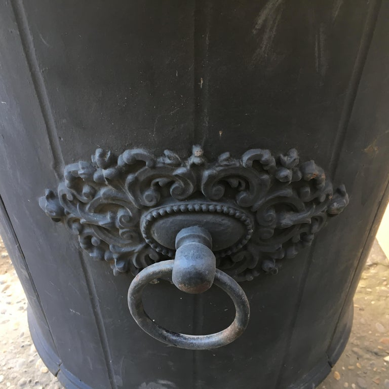 Elegant 19th Century French Cast Iron Garden Planter or Urn For Sale 5