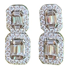 Elegant 2.00 Carat Art Deco Style Tiered Diamond Earrings in 18 Karat White Gold