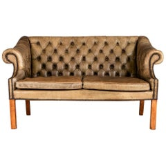 Elegant 20th Century English Button Back Two-Seat Sofa