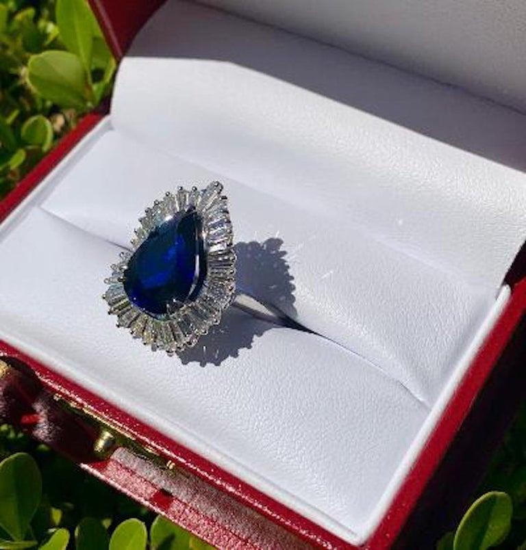 Tapered Baguette Elegant 9.25 Carat Blue Sapphire and Diamond Baguette Ballerina Platinum Ring For Sale