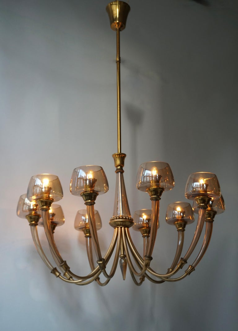 Elegant Murano Glass and Brass Chandelier For Sale 5