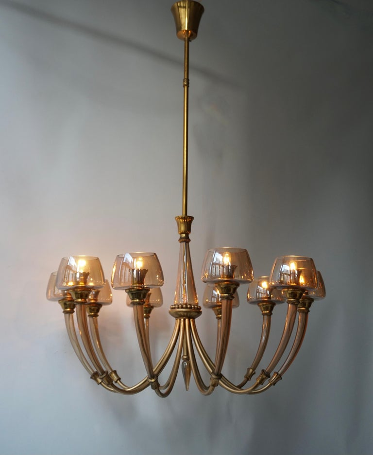 Elegant Murano Glass and Brass Chandelier For Sale 6