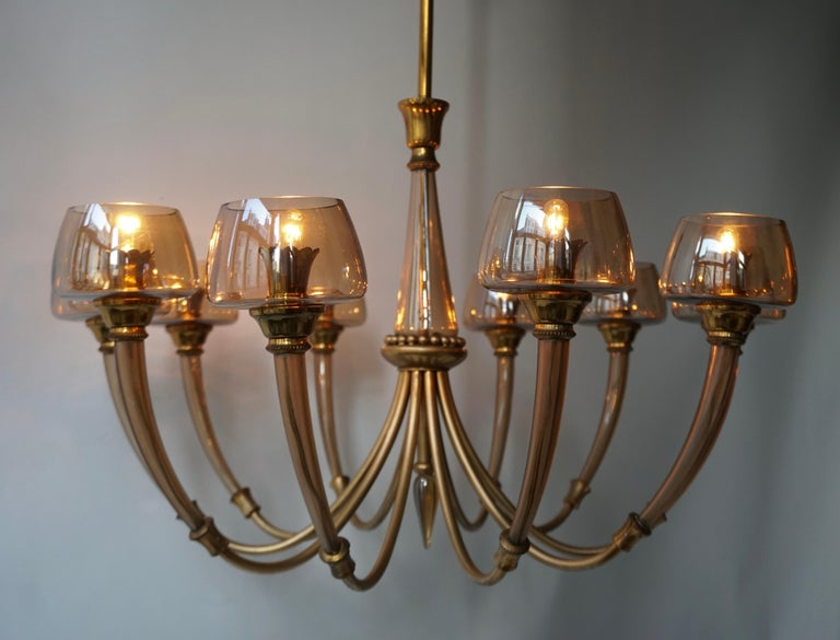 Elegant Murano Glass and Brass Chandelier For Sale 7
