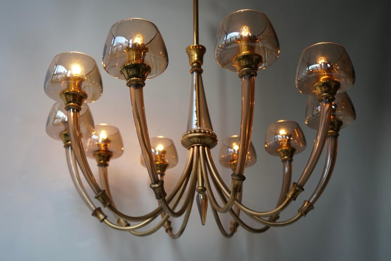 Elegant Murano Glass and Brass Chandelier For Sale 8