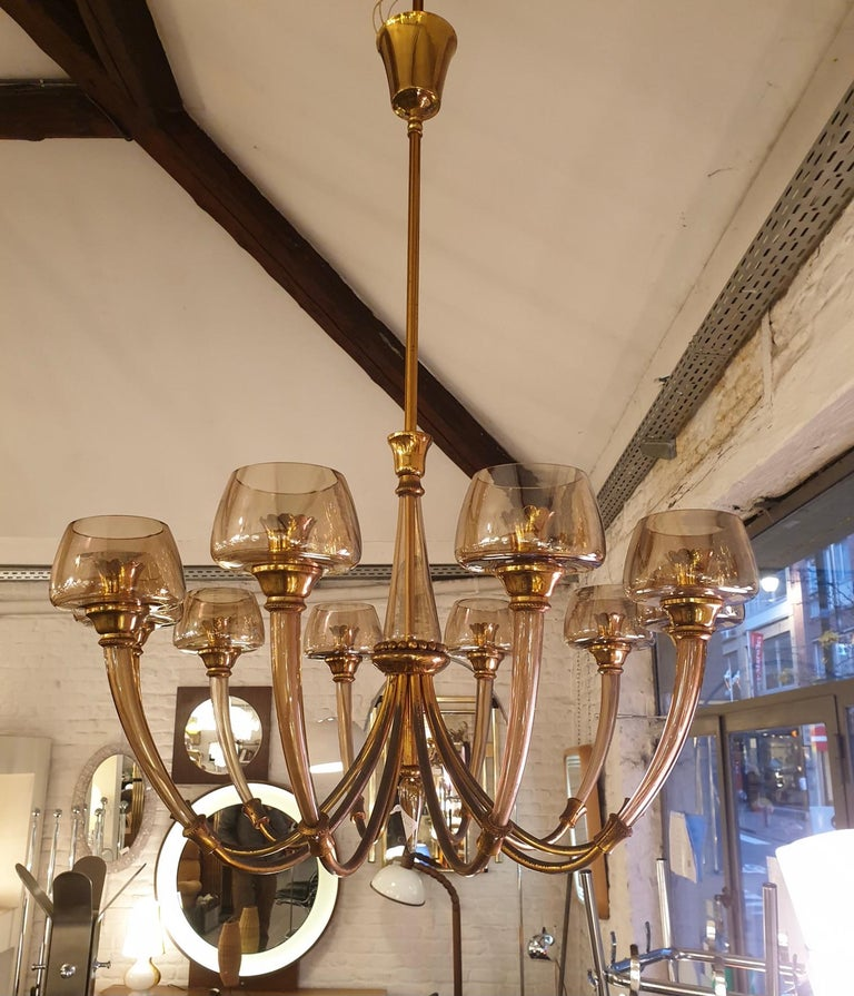 Hollywood Regency Elegant Murano Glass and Brass Chandelier For Sale