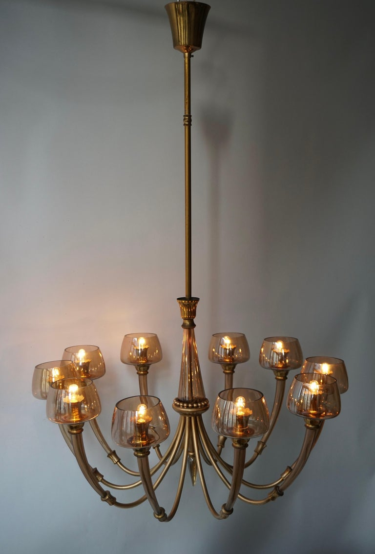 Elegant Murano Glass and Brass Chandelier For Sale 1