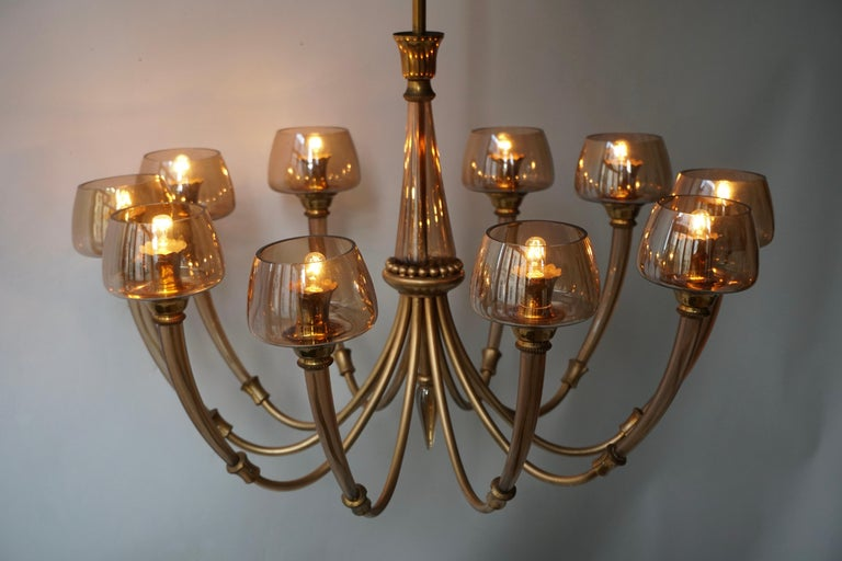 Elegant Murano Glass and Brass Chandelier For Sale 2