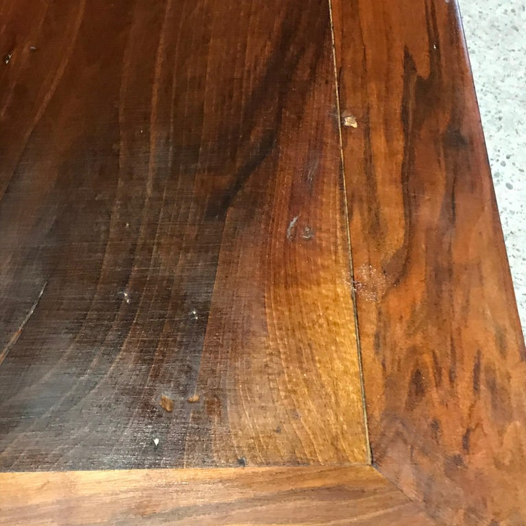 Elegant and Roomy Antique French 19th Century Walnut Dining Table For Sale 7