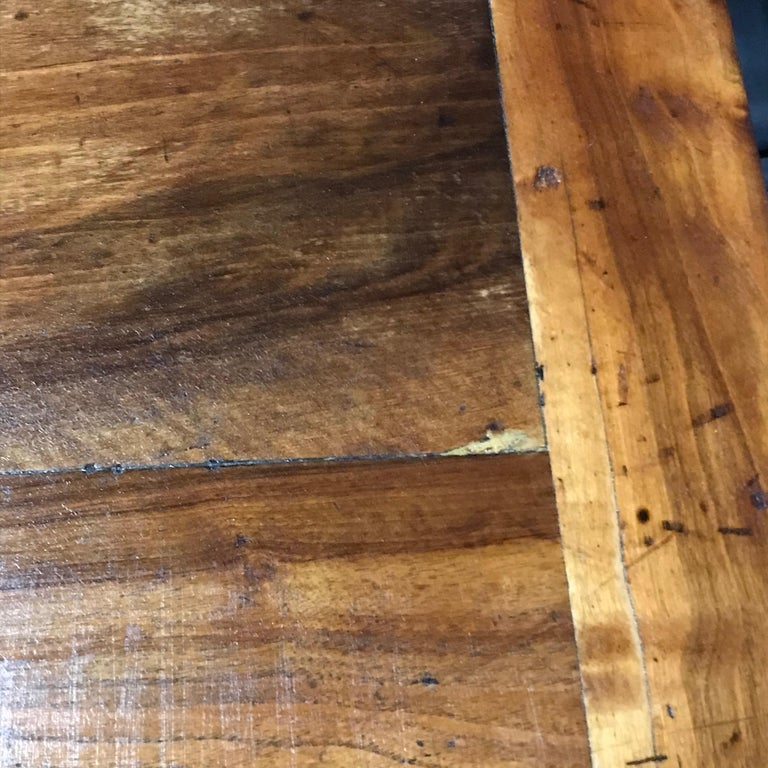 Elegant and Roomy Antique French 19th Century Walnut Dining Table For Sale 8