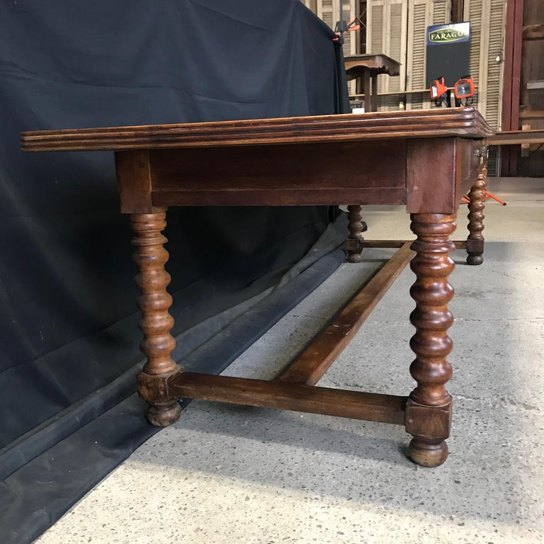 Country Elegant and Roomy Antique French 19th Century Walnut Dining Table For Sale
