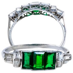Elegant Art Deco 1920s Platinum 2 Ct Emerald Cut Emerald & Diamond Trilogy Ring