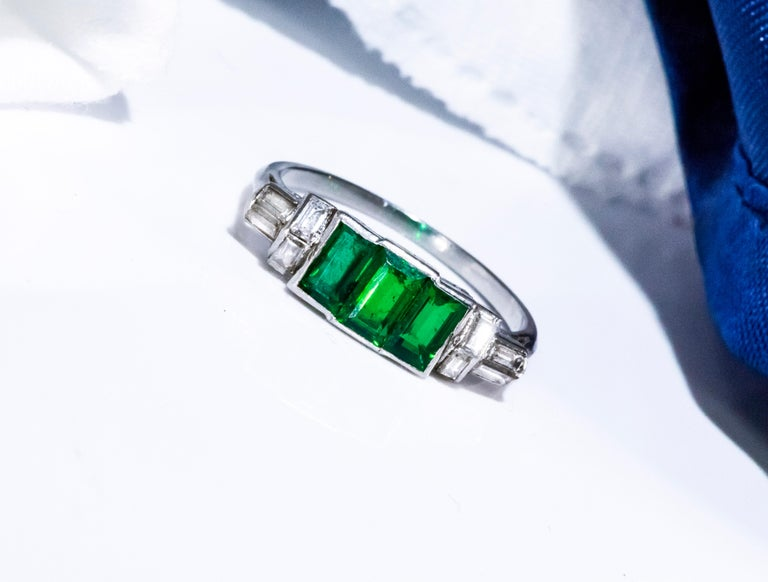 Elegant Art Deco 1920s Platinum 2 Cts Emerald Cut Emerald & Diamond Trilogy Ring For Sale 12