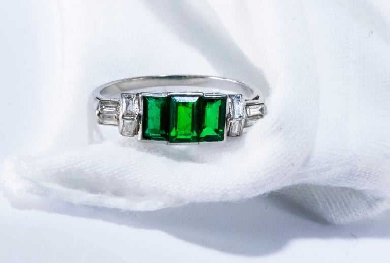 Elegant Art Deco 1920s Platinum 2 Cts Emerald Cut Emerald & Diamond Trilogy Ring For Sale 14