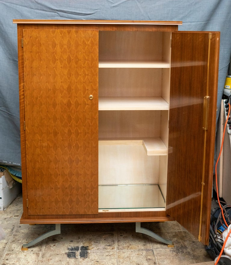 Elegant Art Deco Sycamore Marquetry Cabinet by Jules Leleu In Good Condition For Sale In Montreal, QC