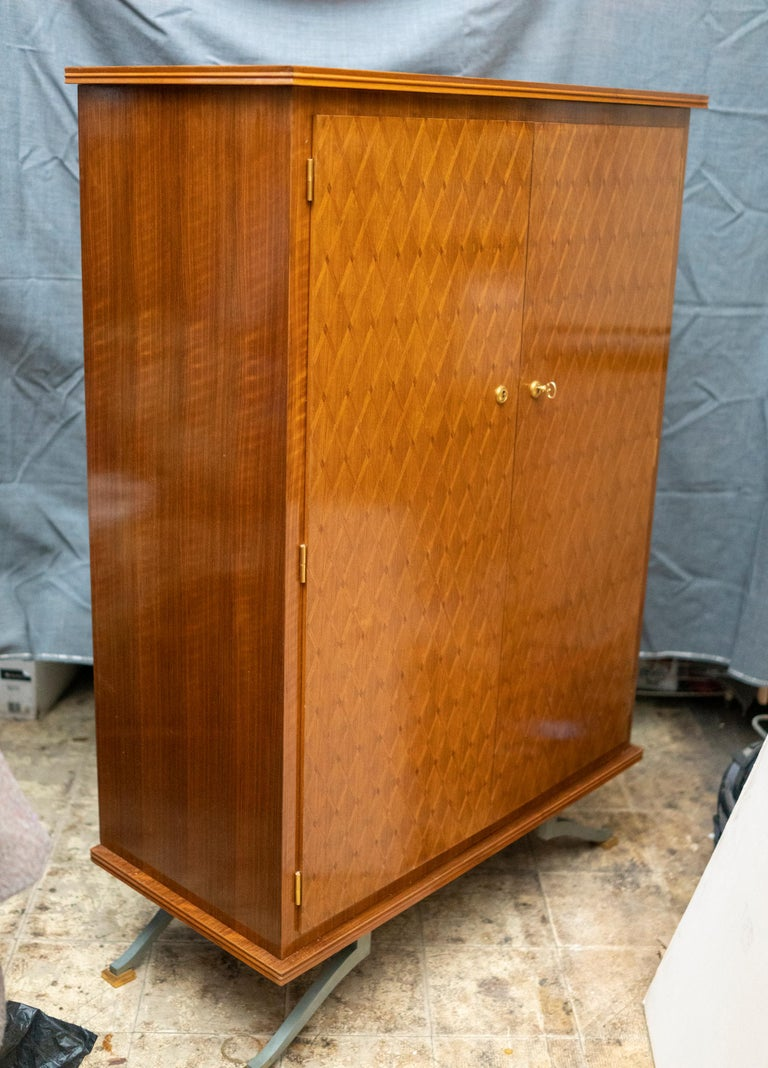 Elegant Art Deco Sycamore Marquetry Cabinet by Jules Leleu For Sale 1
