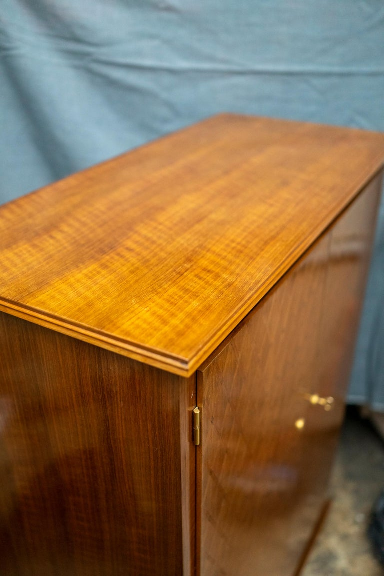 Elegant Art Deco Sycamore Marquetry Cabinet by Jules Leleu For Sale 2