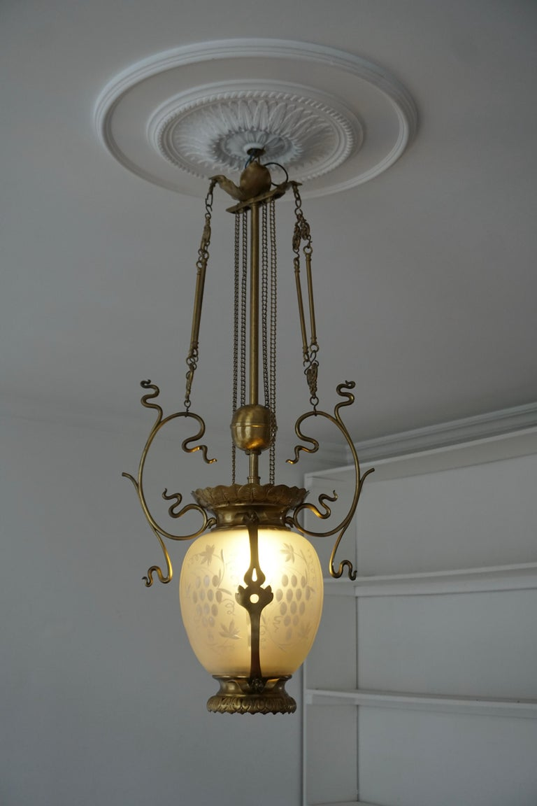 Elegant Art Nouveau Pendant Light in Brass and Glass In Good Condition For Sale In Antwerp, BE