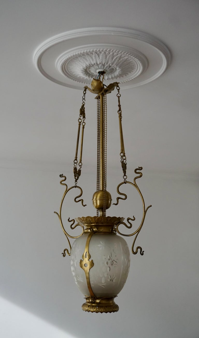 Elegant Art Nouveau Pendant Light in Brass and Glass For Sale 3