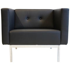 Elegant Artifort C 070 Lounge Chair by Kho Liang Ie in Black Leather and Chrome
