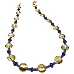 Elegant Blue Sapphire and Gold Choker Necklace