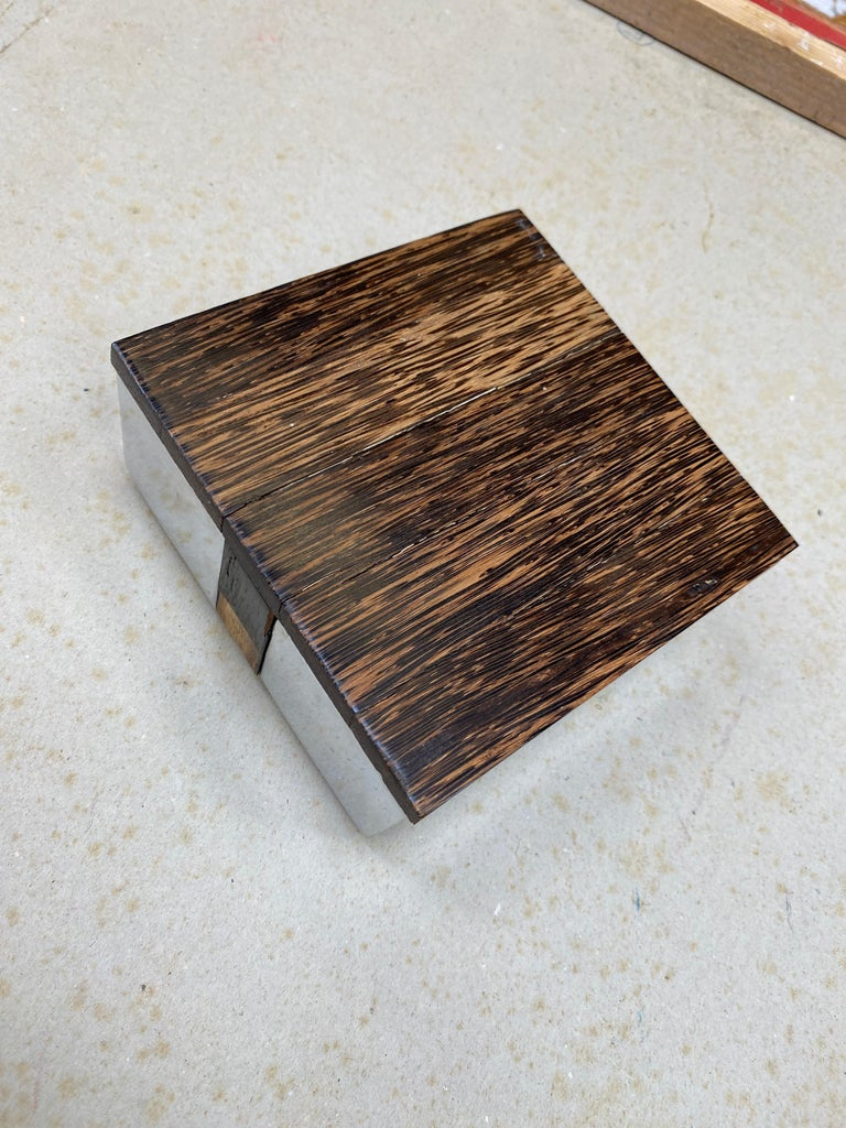 Late 20th Century Elegant Box in Polished Cast Aluminum and Palm Wood, circa 1970 For Sale