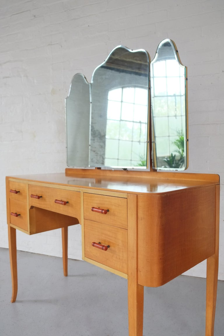 Mid-Century Modern Elegant British 1950s Mirrored Dressing Table  For Sale