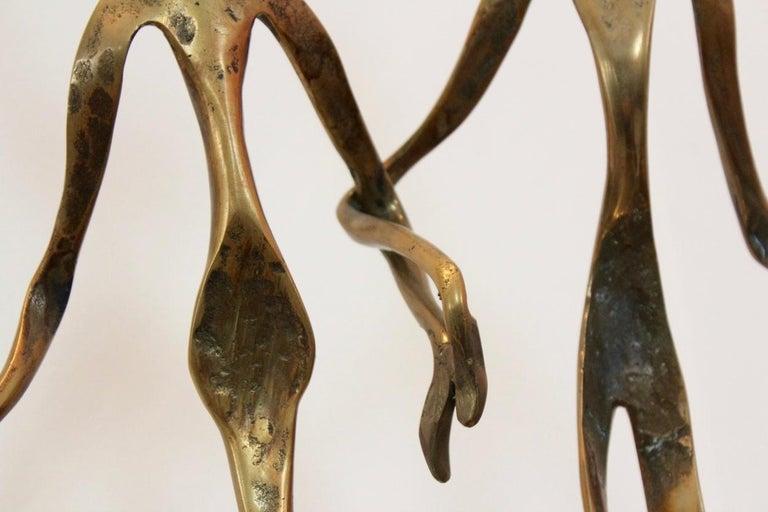 Elegant Bronze 'Holding Hands' Sculpture, 1970s In Good Condition For Sale In Voorburg, NL