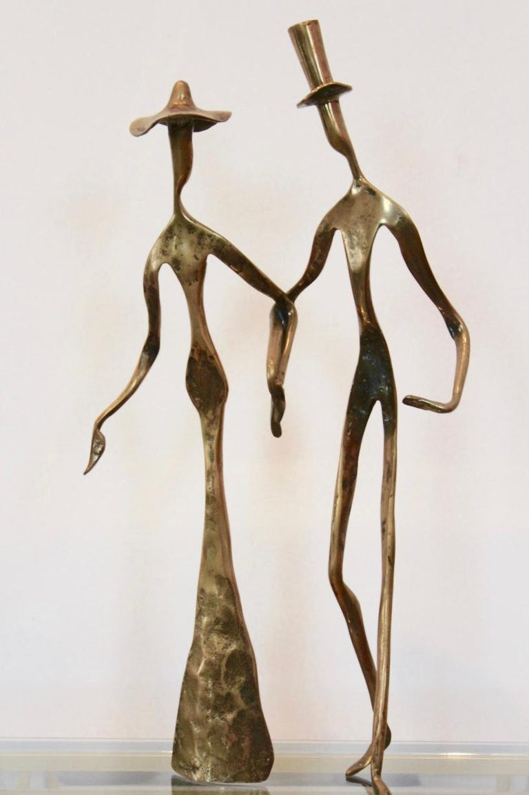 20th Century Elegant Bronze 'Holding Hands' Sculpture, 1970s For Sale